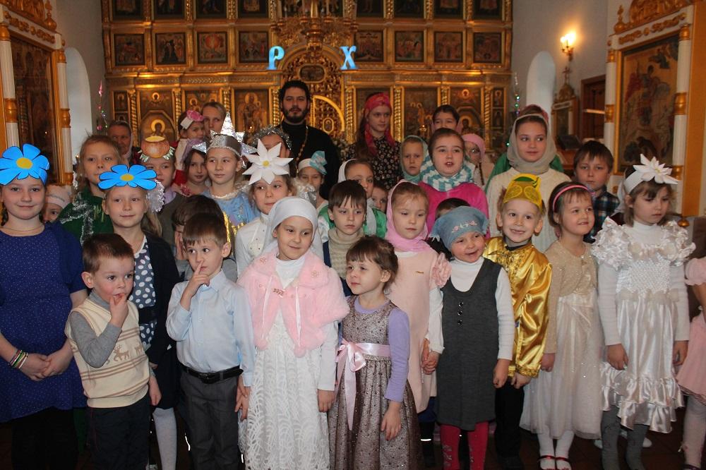 Рождественский детский праздник в Троицком храме на Репне